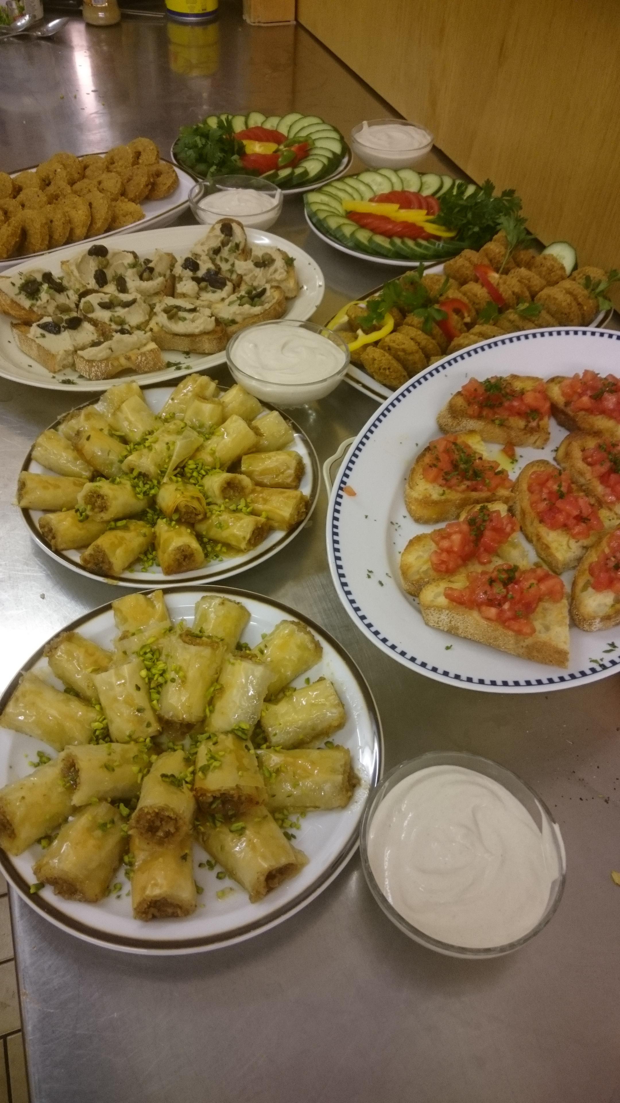 Europäisch-orientalische Küchenbrigade feiert Premiere – kornhalde ...